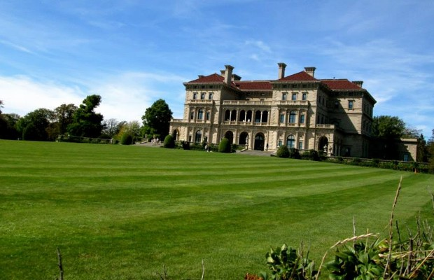 Newport Mansions & a Cliff Walk with The Belmontes